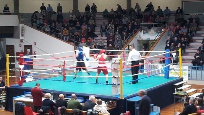 """La grande boxe al palasport di Castelfranco, c'è il """"Memorial Pobwe"""""""