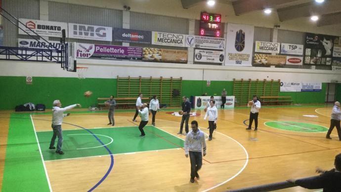 L'Associazione F.A.R.C.E.L.A. al Palavenale con il basket integrato