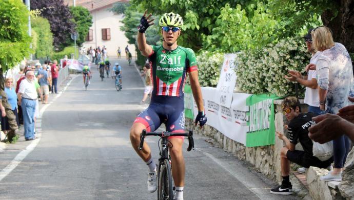 Ciclismo: Samuele Battistella firma il poker per la Zalf a Botticino